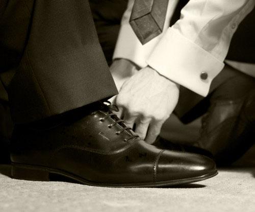 Best Shoe Tying Service | MIND Development & Design